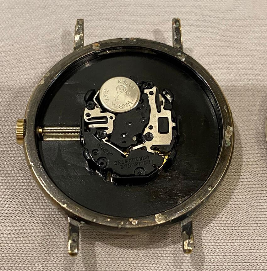 アルバ腕時計内部