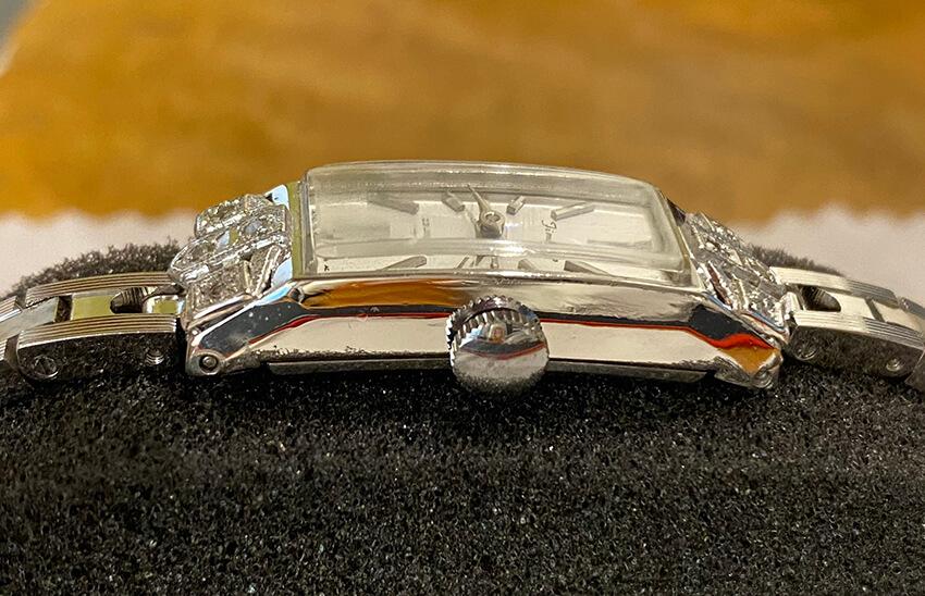 セイコー腕時計の修理後の横側