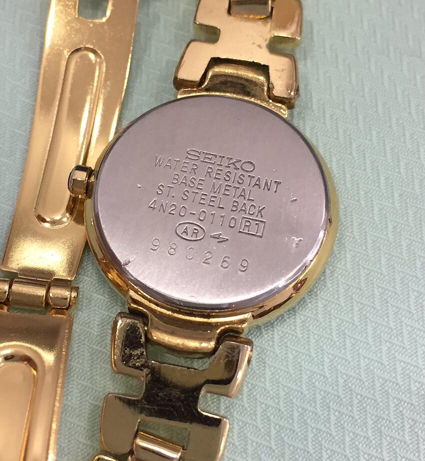 セイコーの腕時計修理後裏面