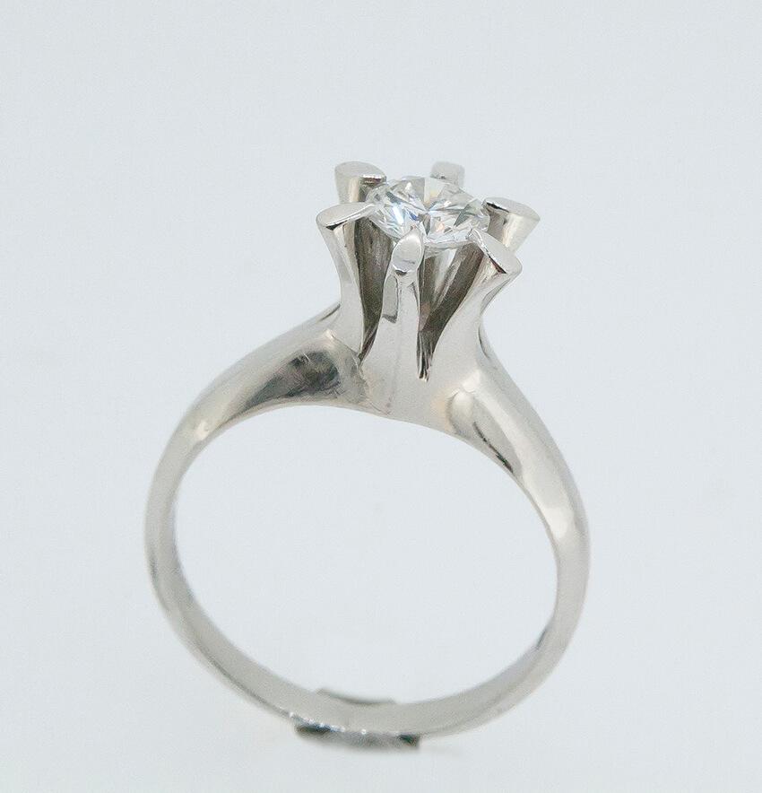 お母さんの婚約指輪を息子さんの婚約指輪にリフォーム