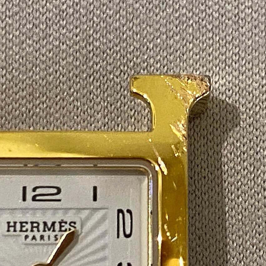 エルメス時計修理前の傷部分