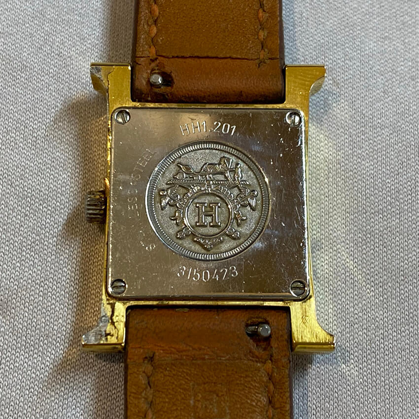 エルメス腕時計修理前の裏面