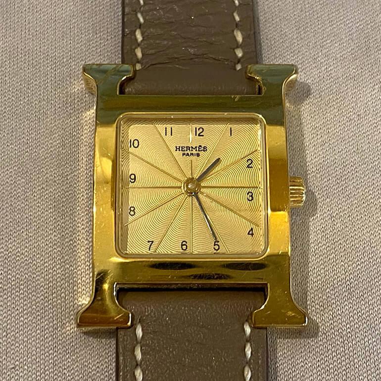 深い傷が入ったエルメス腕時計をメッキしました。